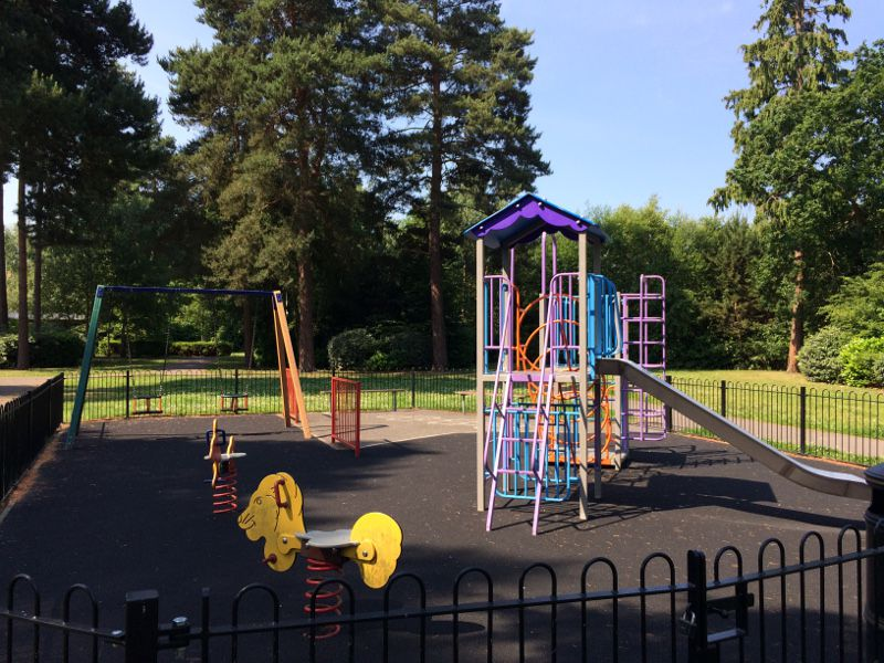 Elvetham Heath Small Play Park